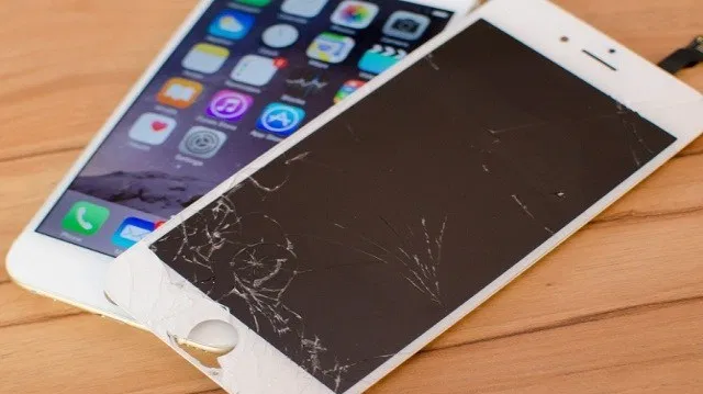 Price of the cost of replacing the iPhone screen when experiencing damage
